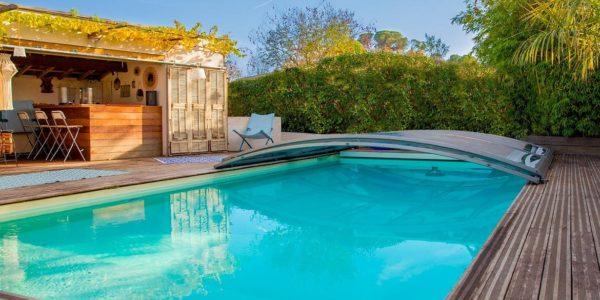 Quels avantages à installer un abri de piscine ?